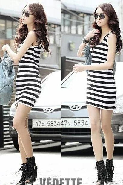 Sleeveless Tank Black White Striped Dress O-neck Cotton Casual Summer Women Dress (Color: Black)