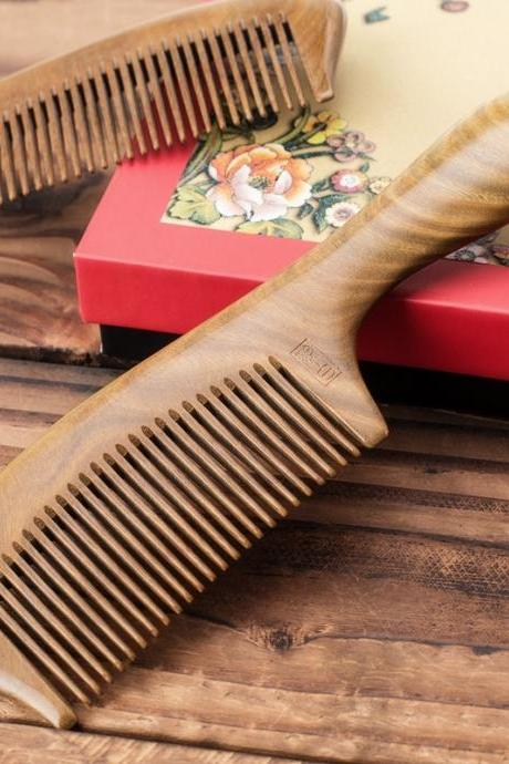 The high-end large whole wood natural green ebony comb box anti-static sandalwood comb lettering, The woman wedding makeup hair tool accessories (Color: Tan)