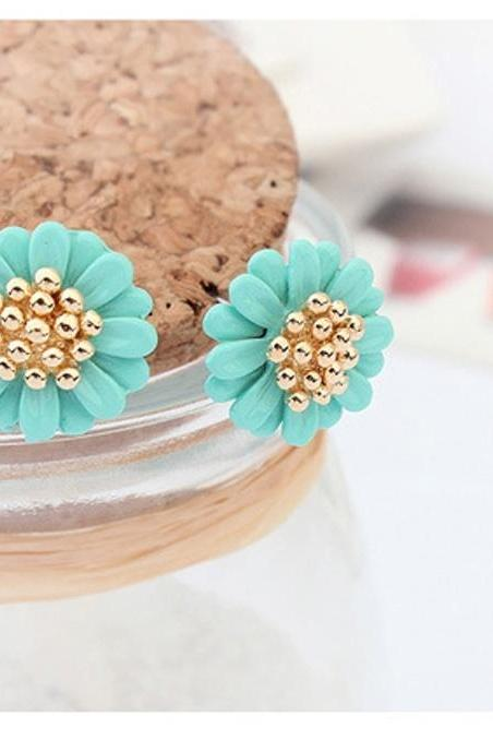 Sweet little Daisy Flower Earrings Korean Fashion Earrings